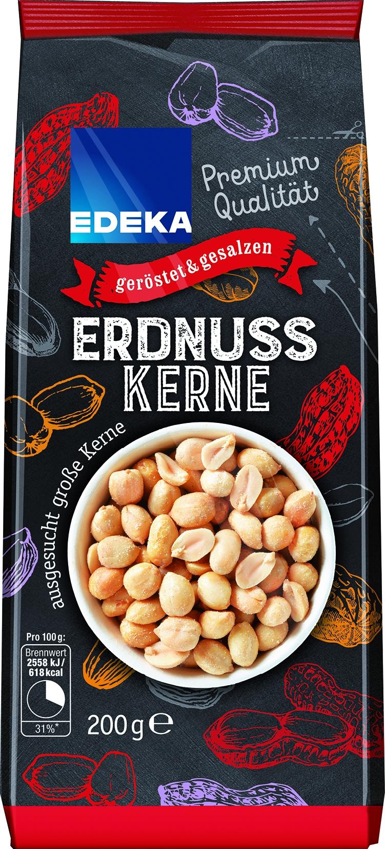 Erdnusskerne geroestet und gesalzen